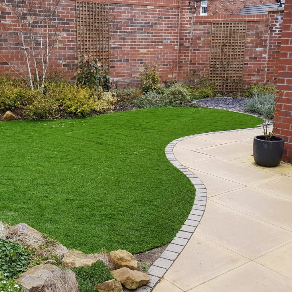 curved artificial lawn