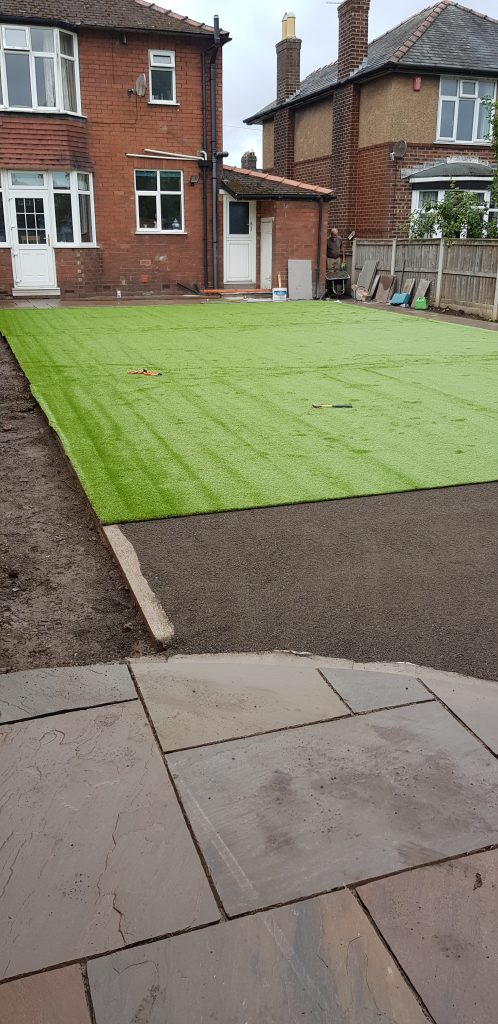 artificial grass on screed